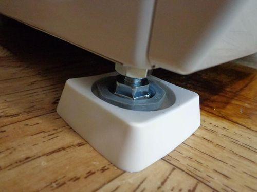 Установка стиральной машины на полу