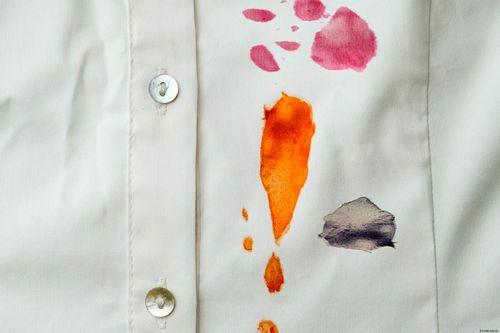 Разные пятна на рубашке