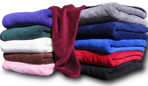 Разноцветные полотенца из флиса